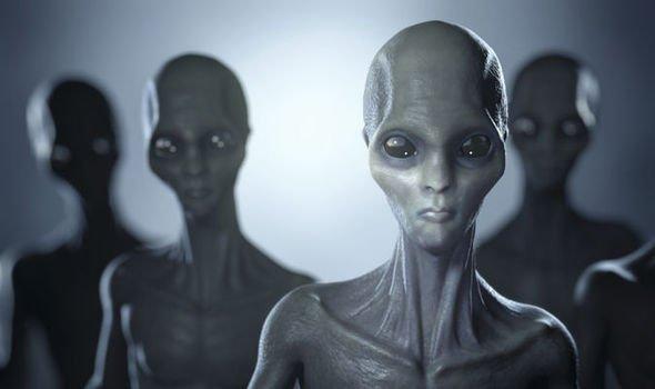 """""""Uzaylılar Uzakta Değil, Burnumuzun Dibinde!"""""""