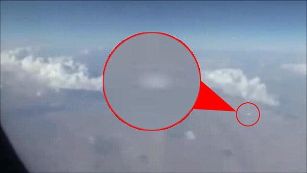 Uçakta Kameralara Yakalan UFO